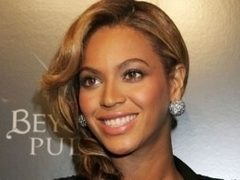 FOTO: Beyonce, primul pictorial sexy dupa ce a nascut