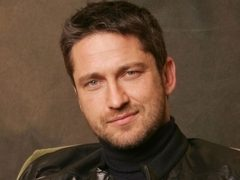 Gerard Butler si-a prelungit vacanta in Romania! Video